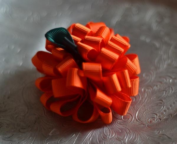 132 Looped Pumpkin